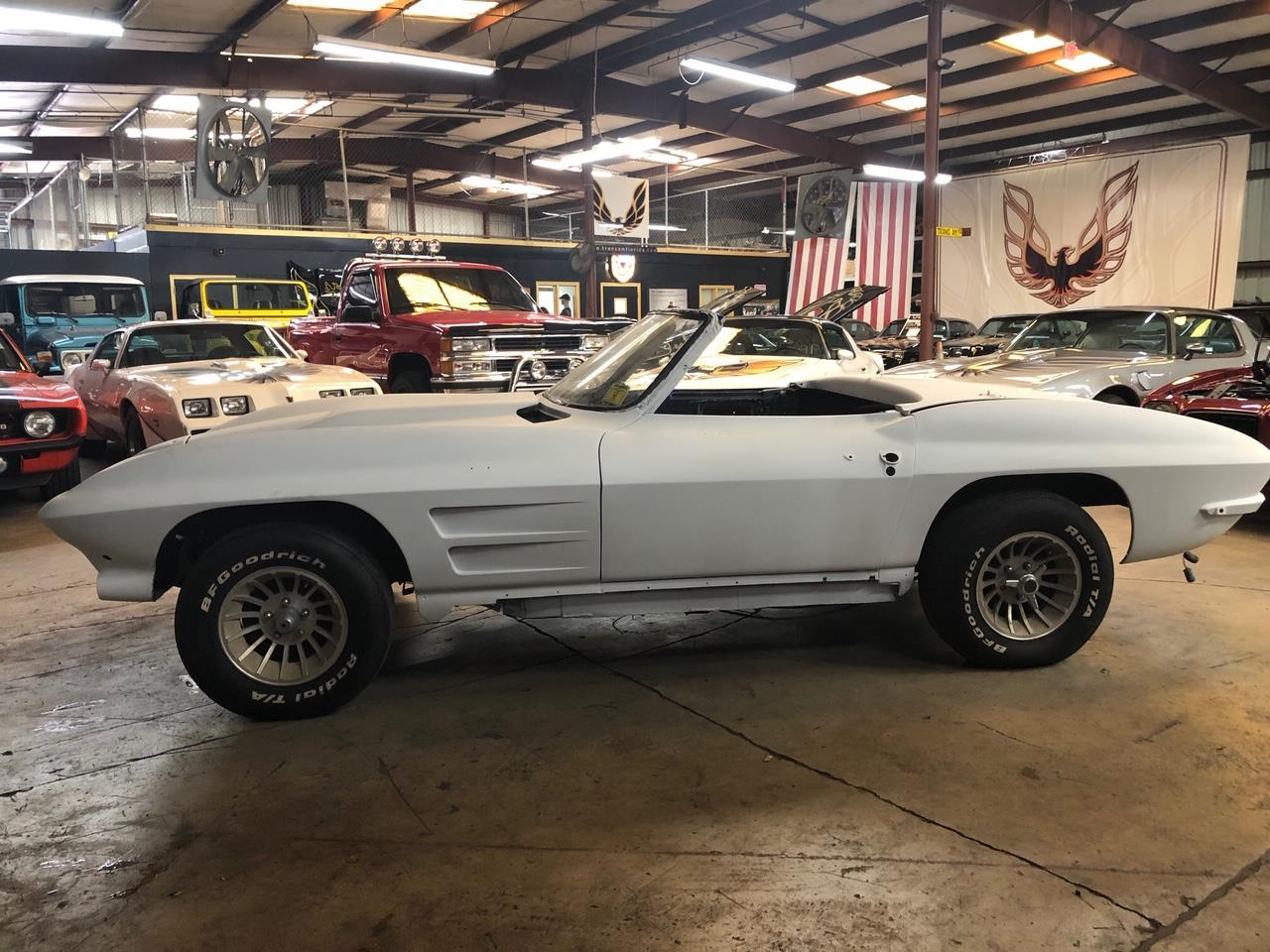 Large Picture of Classic 1963 Chevrolet Corvette located in Miami Florida - Q5TT