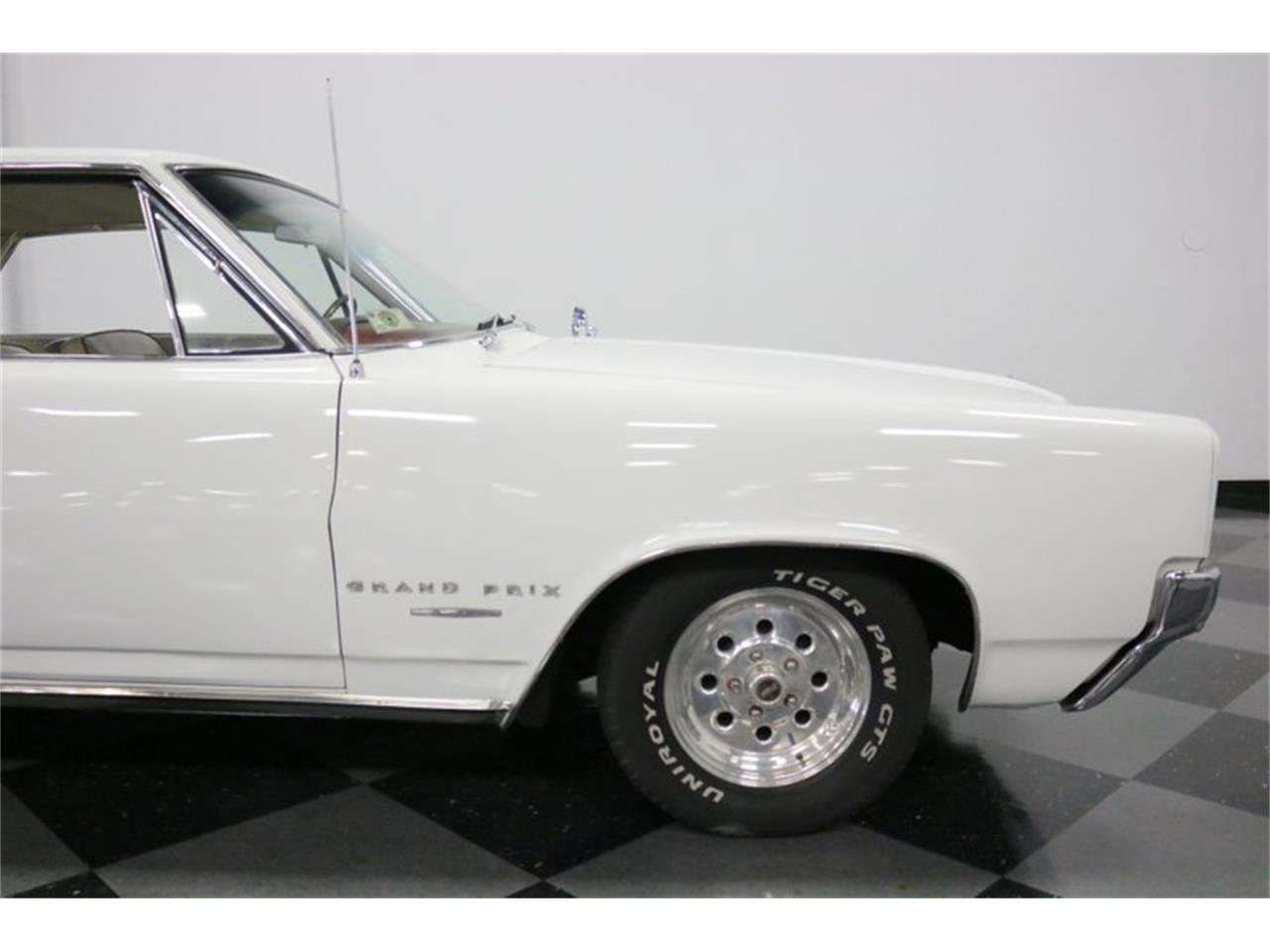 Large Picture of '64 Grand Prix located in Ft Worth Texas - QA9B