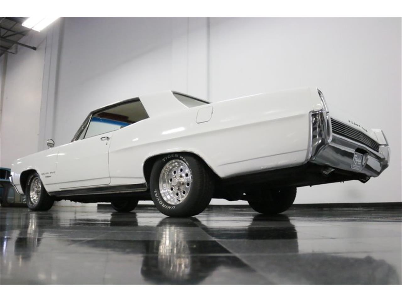Large Picture of Classic 1964 Grand Prix located in Ft Worth Texas Offered by Streetside Classics - Dallas / Fort Worth - QA9B