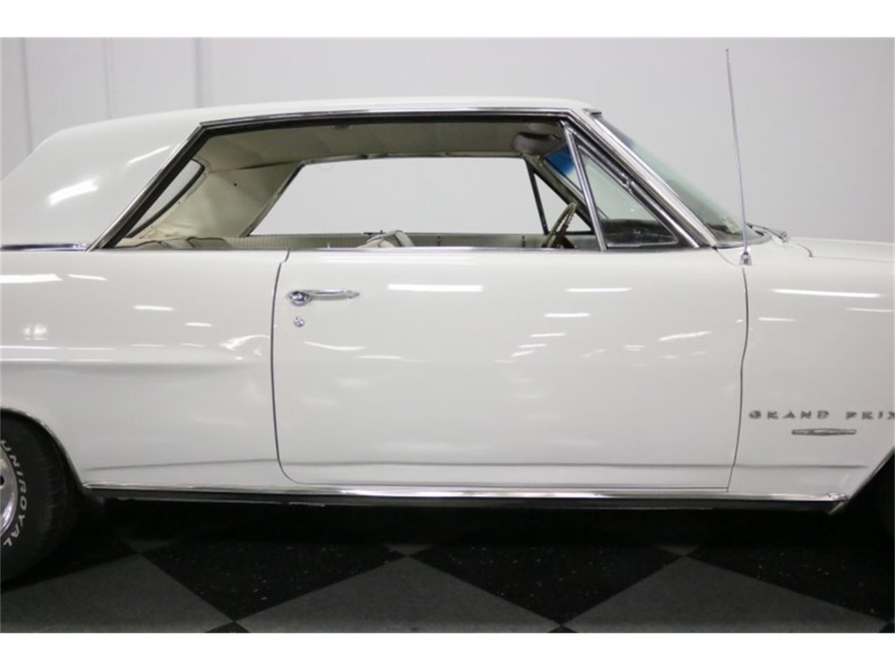 Large Picture of Classic 1964 Grand Prix - $16,995.00 Offered by Streetside Classics - Dallas / Fort Worth - QA9B