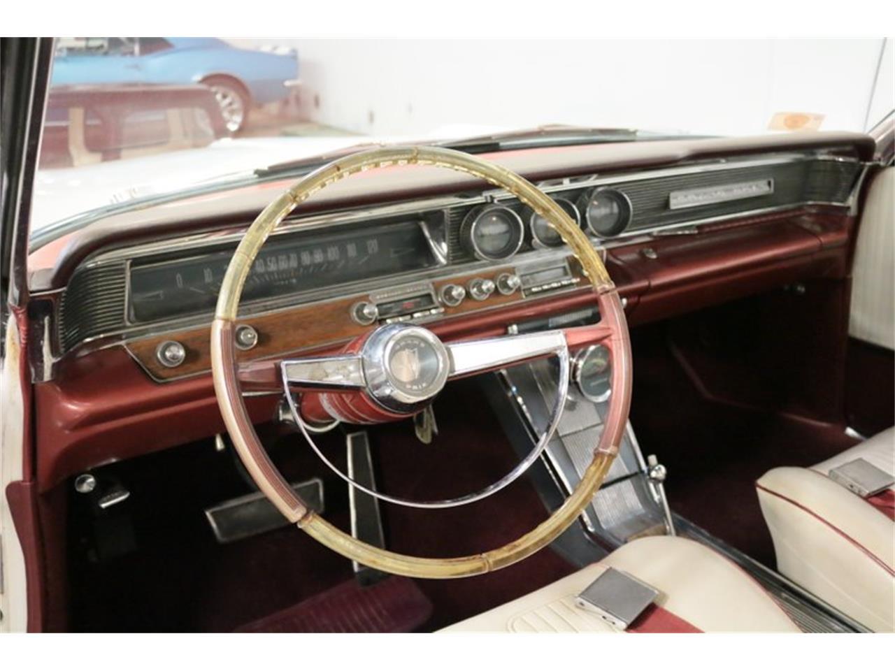 Large Picture of '64 Pontiac Grand Prix - QA9B
