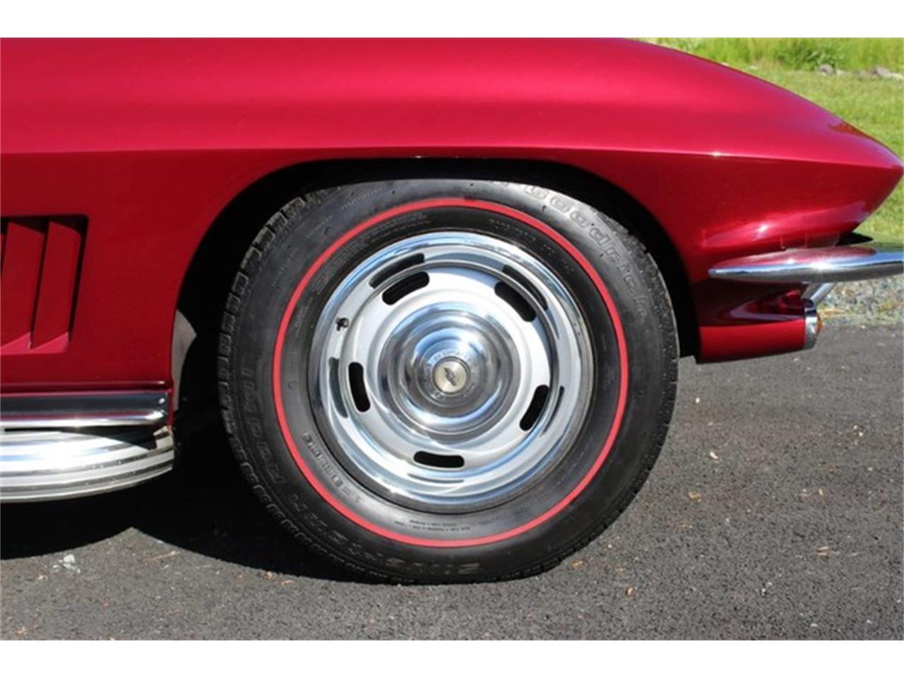 Large Picture of '67 Corvette - QAB8