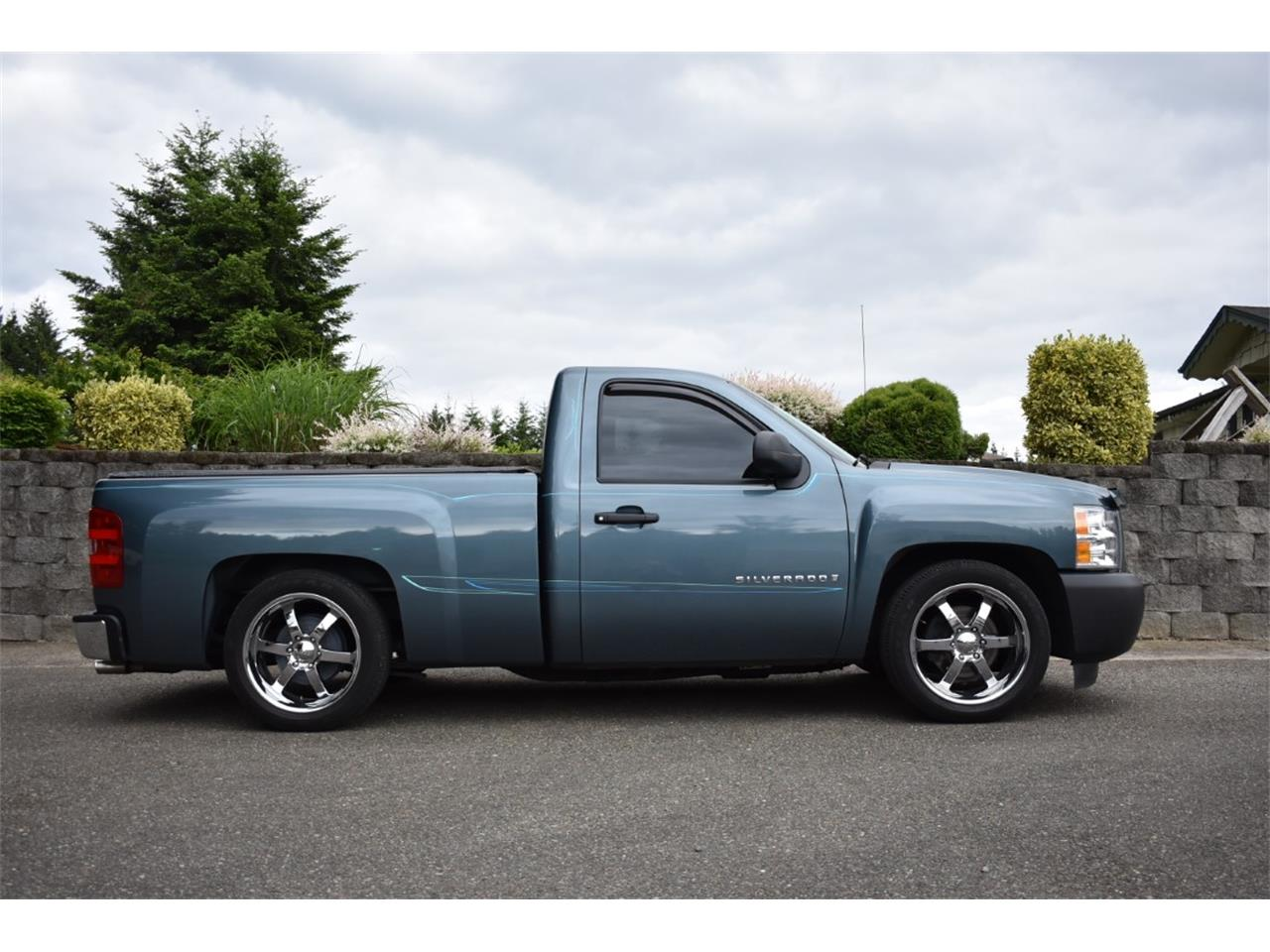 Large Picture of '09 Silverado - Q5UW