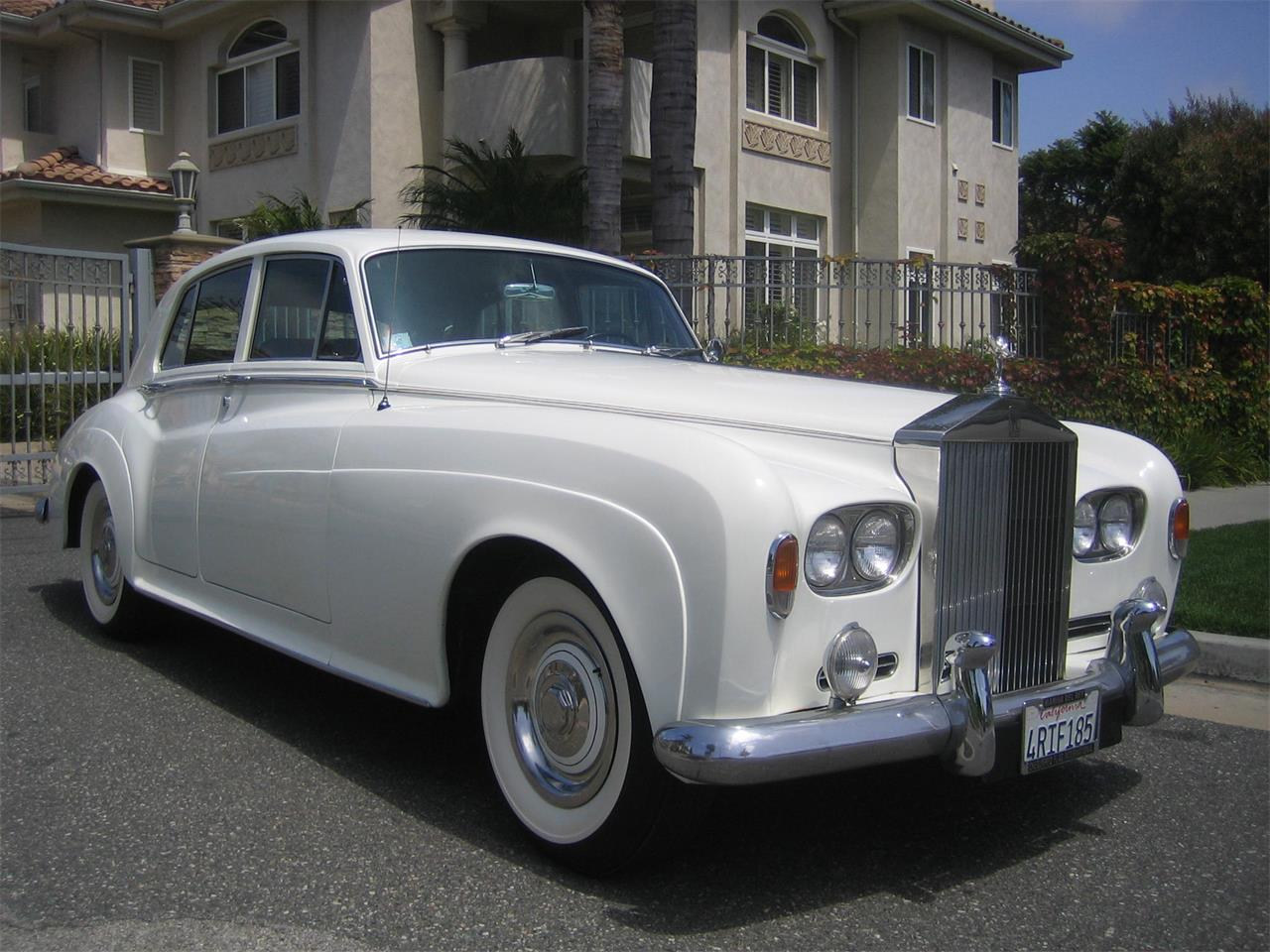 Large Picture of '65 Silver Cloud III - QADW