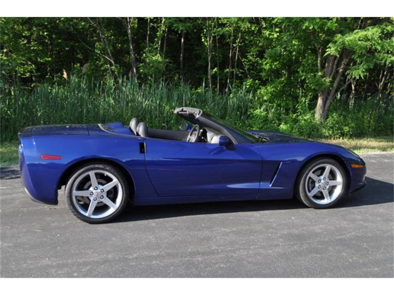 Large Picture of 2005 Corvette - QAF9
