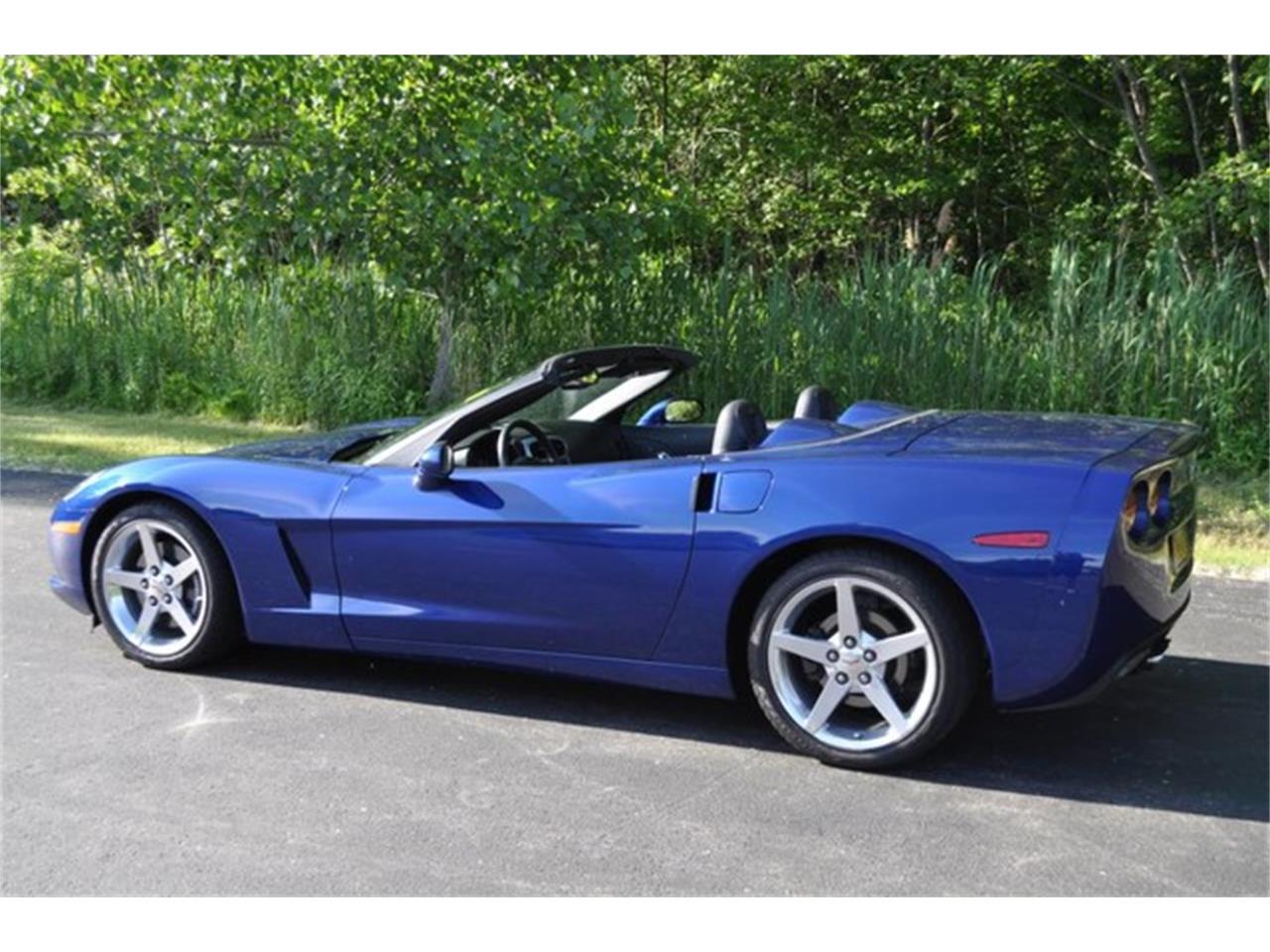 Large Picture of 2005 Chevrolet Corvette Offered by Prestige Motor Car Co. - QAF9