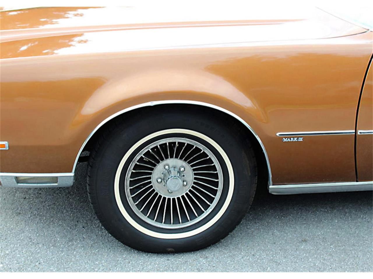 Large Picture of '72 Continental Mark IV - QAIU