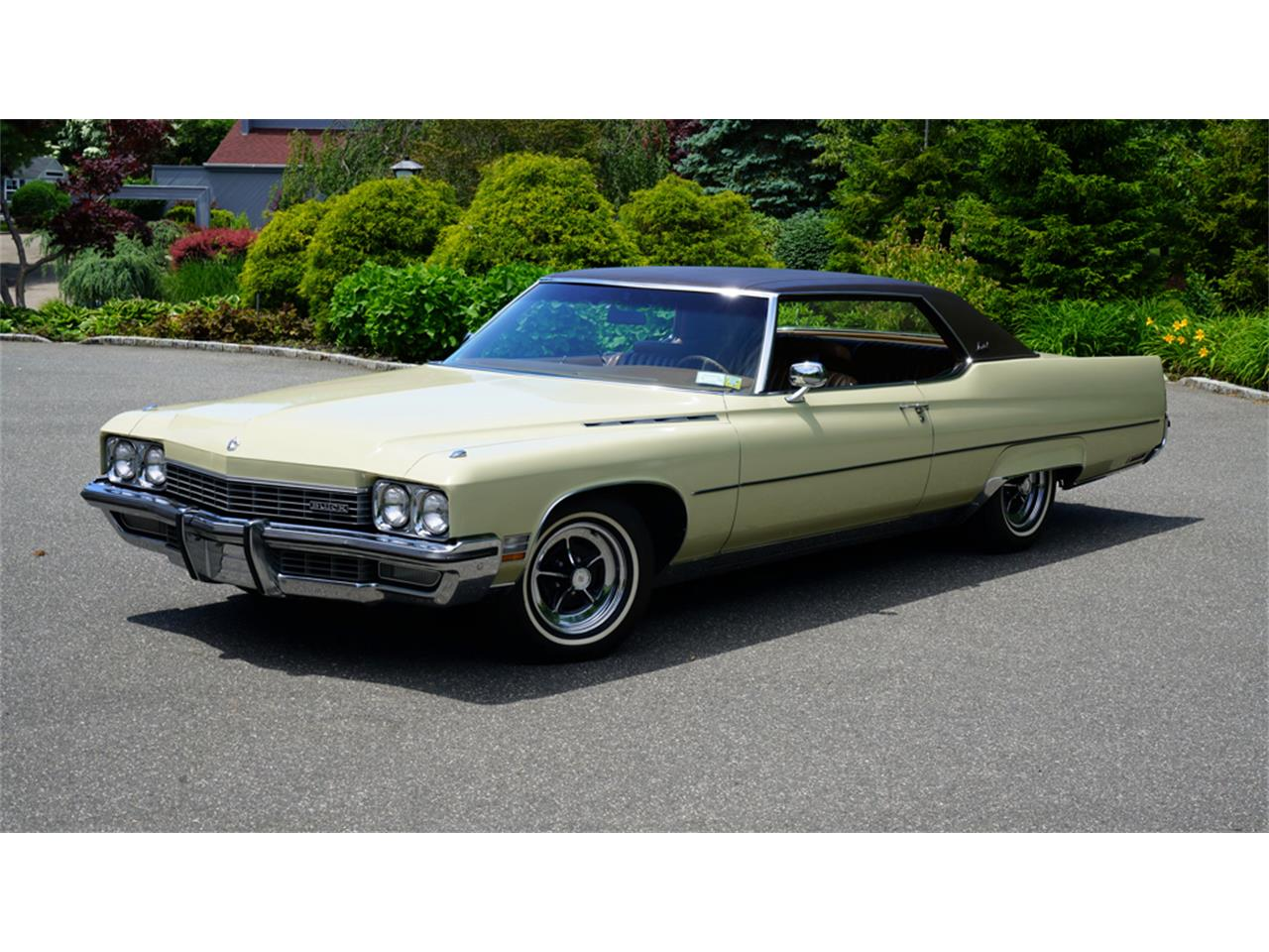 Large Picture of '72 Buick Electra 225 located in Old Bethpage New York - $32,500.00 Offered by Fiore Motor Classics - QAJE