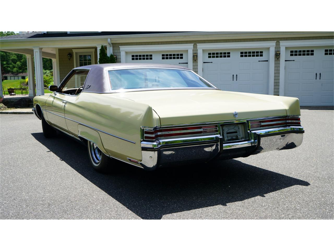 Large Picture of Classic '72 Buick Electra 225 located in New York - $32,500.00 - QAJE