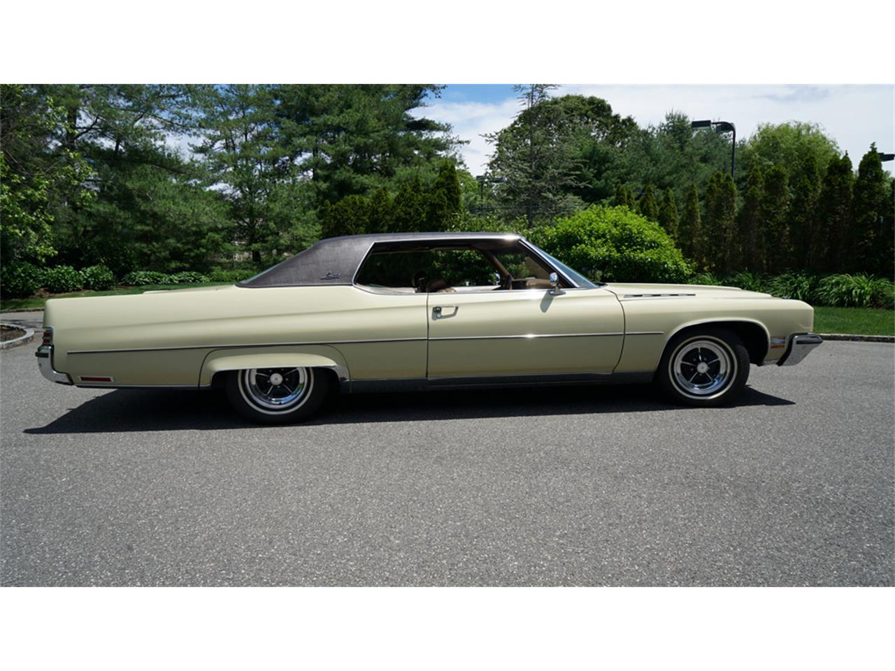 Large Picture of 1972 Buick Electra 225 located in New York - QAJE