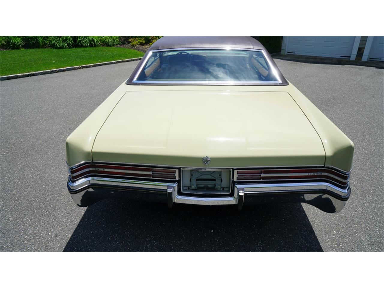 Large Picture of '72 Buick Electra 225 - QAJE