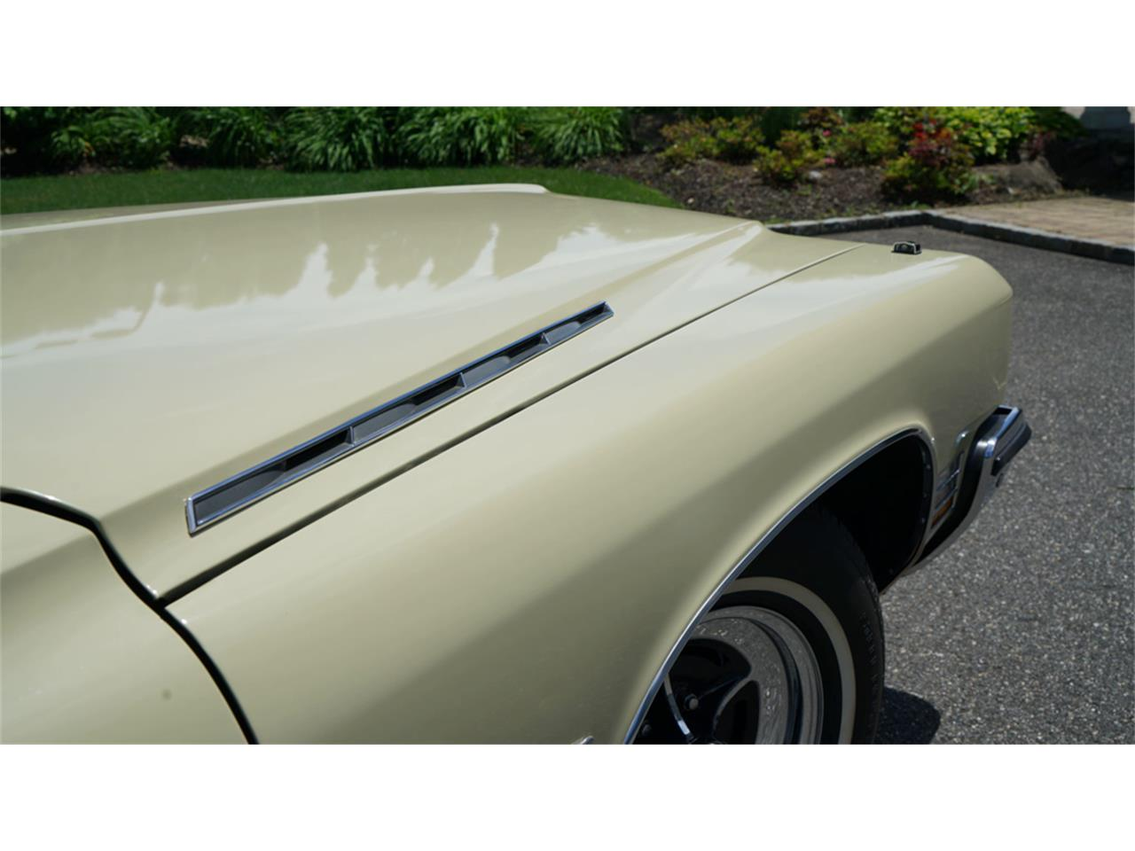 Large Picture of '72 Buick Electra 225 located in New York Offered by Fiore Motor Classics - QAJE