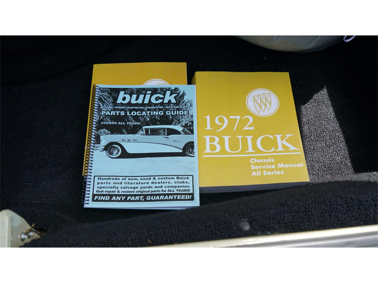 Large Picture of '72 Buick Electra 225 located in Old Bethpage New York Offered by Fiore Motor Classics - QAJE