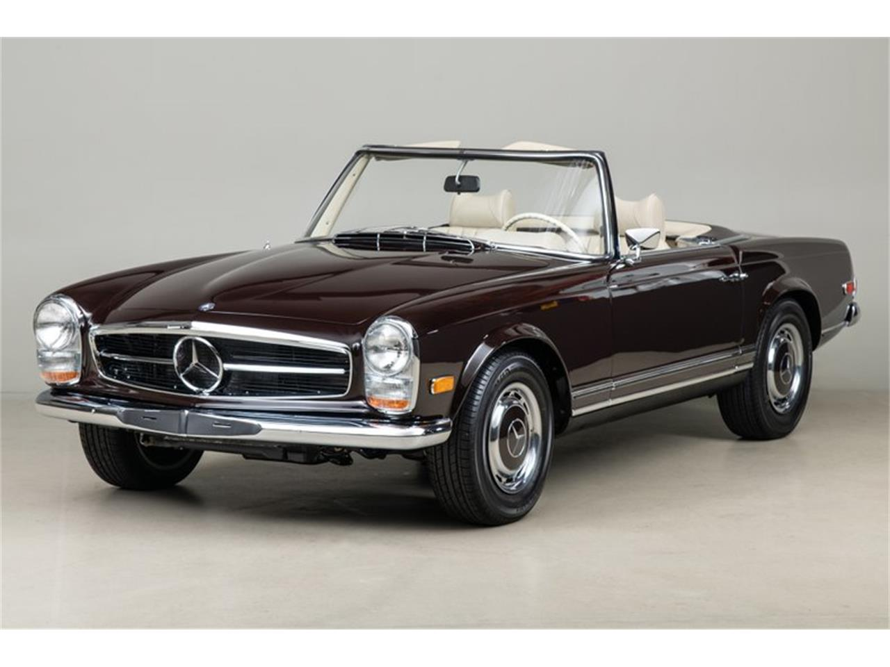 Large Picture of Classic '69 280SL located in Scotts Valley California Auction Vehicle Offered by Canepa - QALE