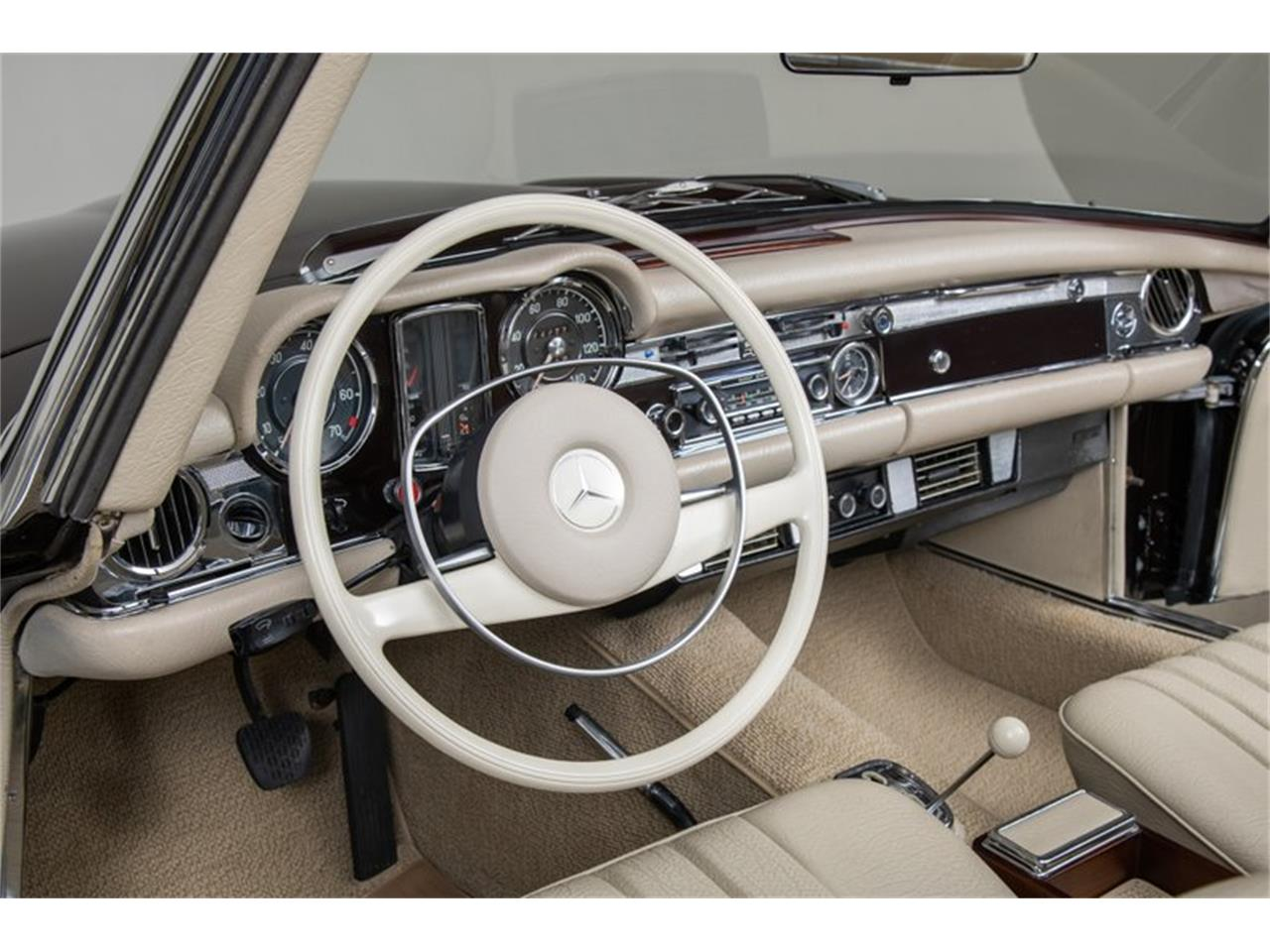 Large Picture of 1969 Mercedes-Benz 280SL Offered by Canepa - QALE