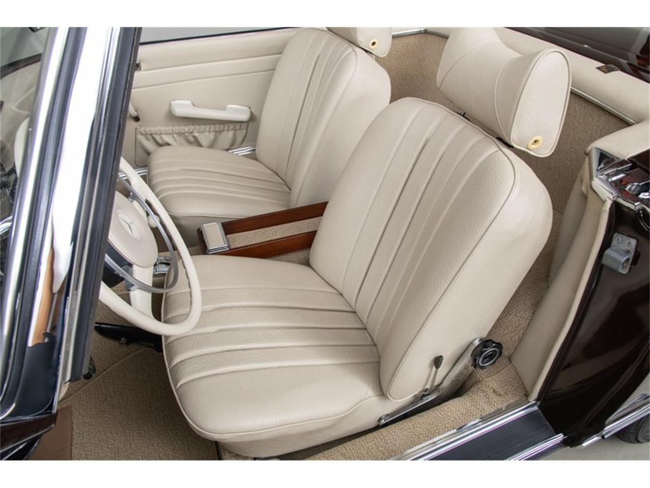 Large Picture of '69 Mercedes-Benz 280SL Auction Vehicle - QALE