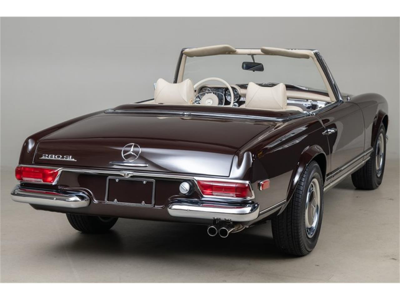 Large Picture of Classic '69 Mercedes-Benz 280SL located in California Auction Vehicle Offered by Canepa - QALE