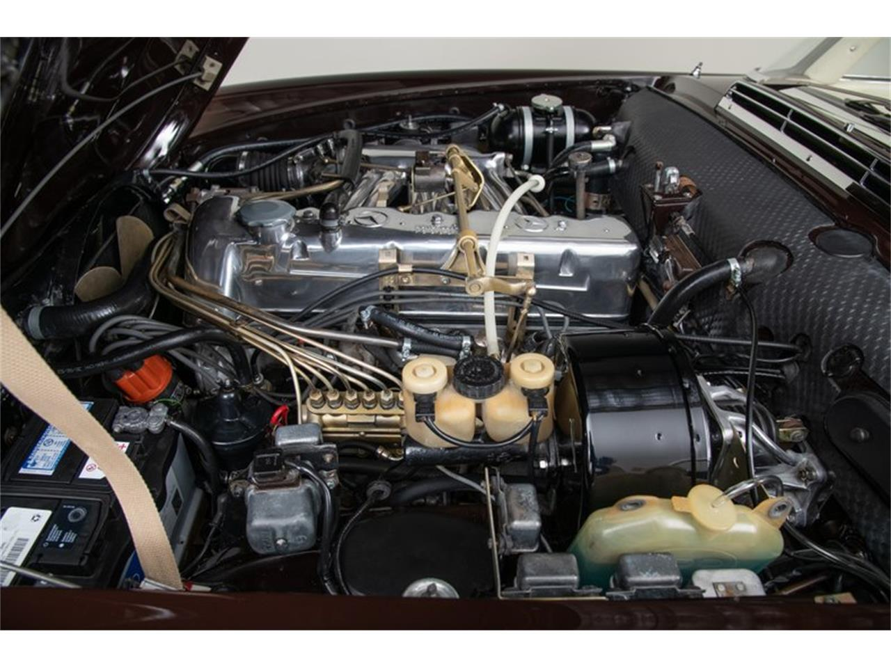Large Picture of '69 Mercedes-Benz 280SL Offered by Canepa - QALE