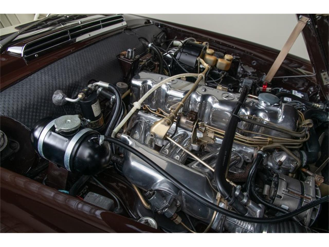 Large Picture of Classic '69 Mercedes-Benz 280SL - QALE