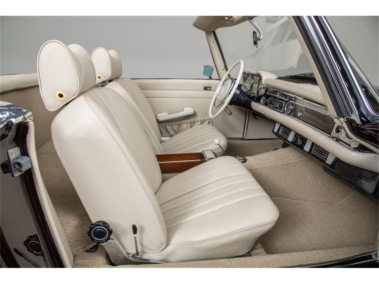Large Picture of Classic 1969 280SL Auction Vehicle Offered by Canepa - QALE