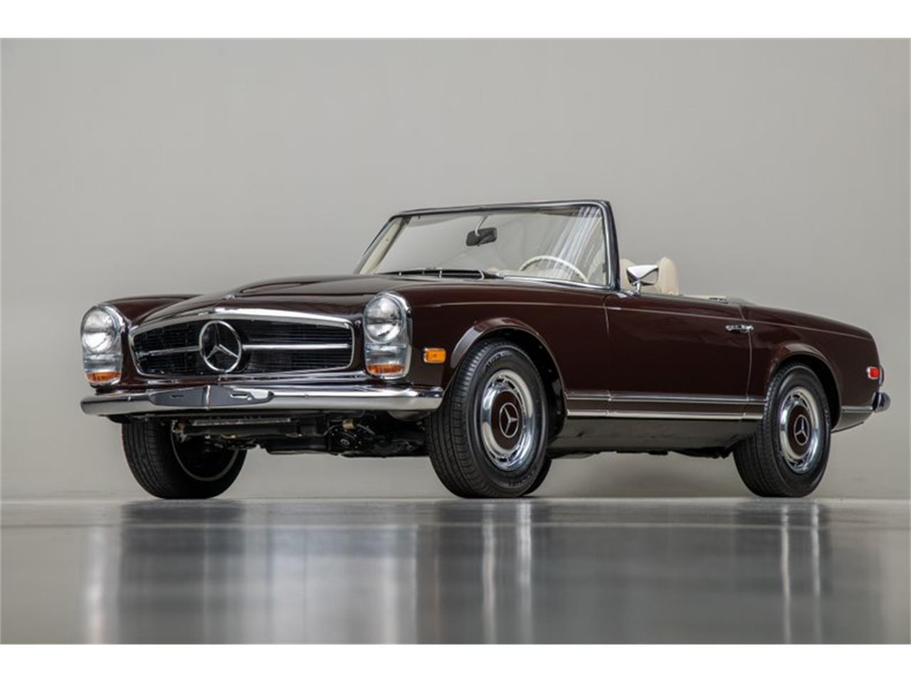 Large Picture of Classic '69 Mercedes-Benz 280SL Offered by Canepa - QALE