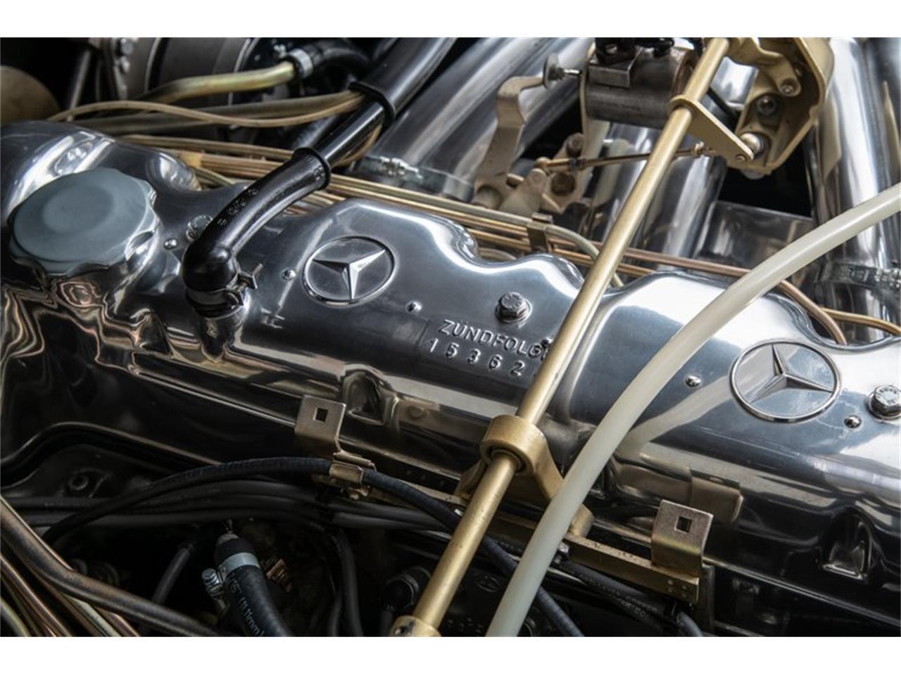 Large Picture of Classic '69 Mercedes-Benz 280SL Auction Vehicle - QALE
