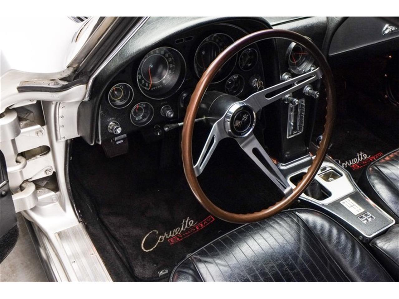Large Picture of '64 Corvette - QAO8