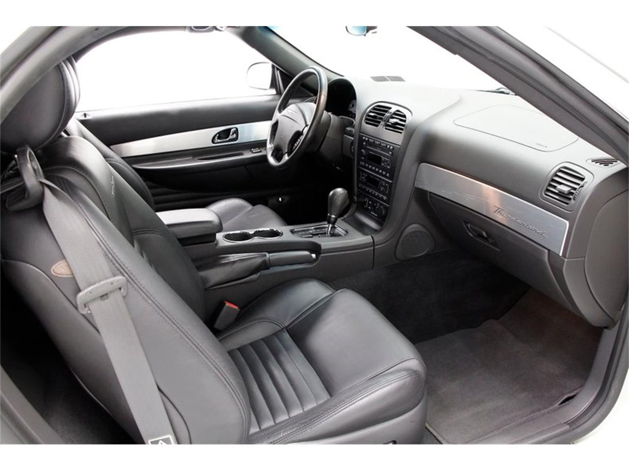 Large Picture of 2002 Ford Thunderbird - $17,900.00 Offered by Classic Auto Mall - Q5WF