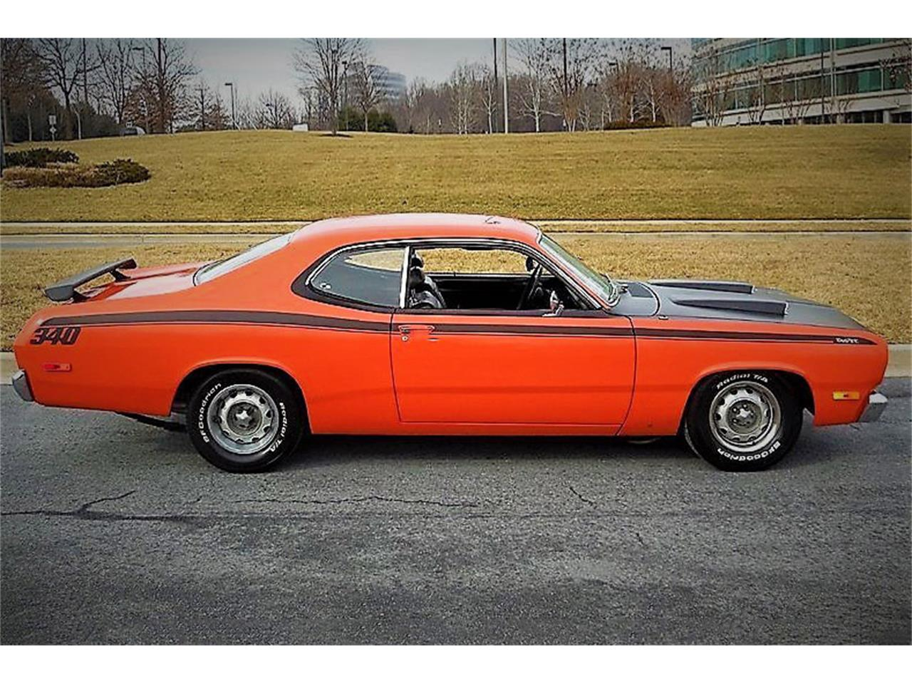 Large Picture of '72 Duster Auction Vehicle Offered by Barrett-Jackson - QASE