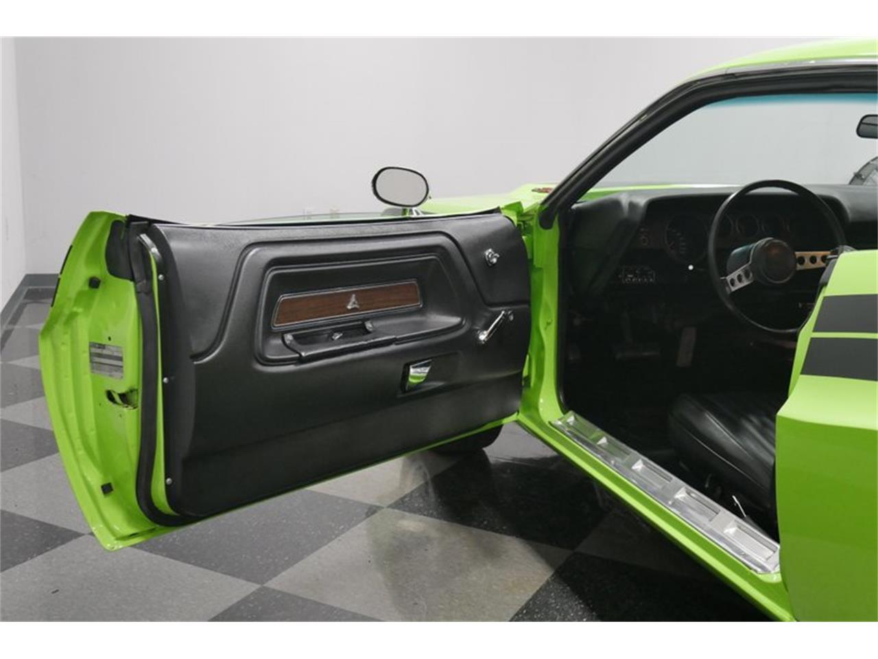 Large Picture of '73 Challenger - QAX1
