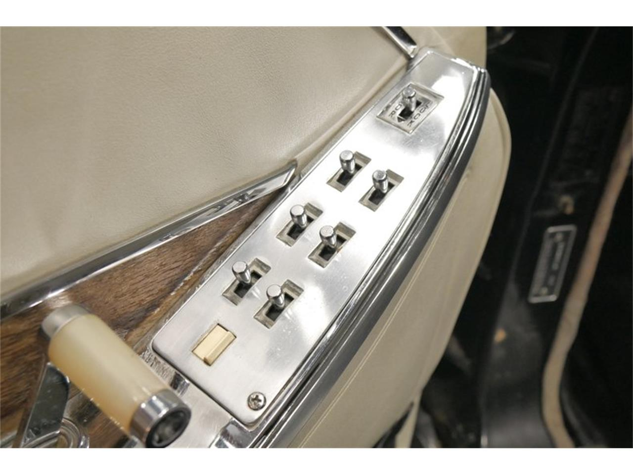 Large Picture of Classic 1966 Chrysler Imperial - QAX3