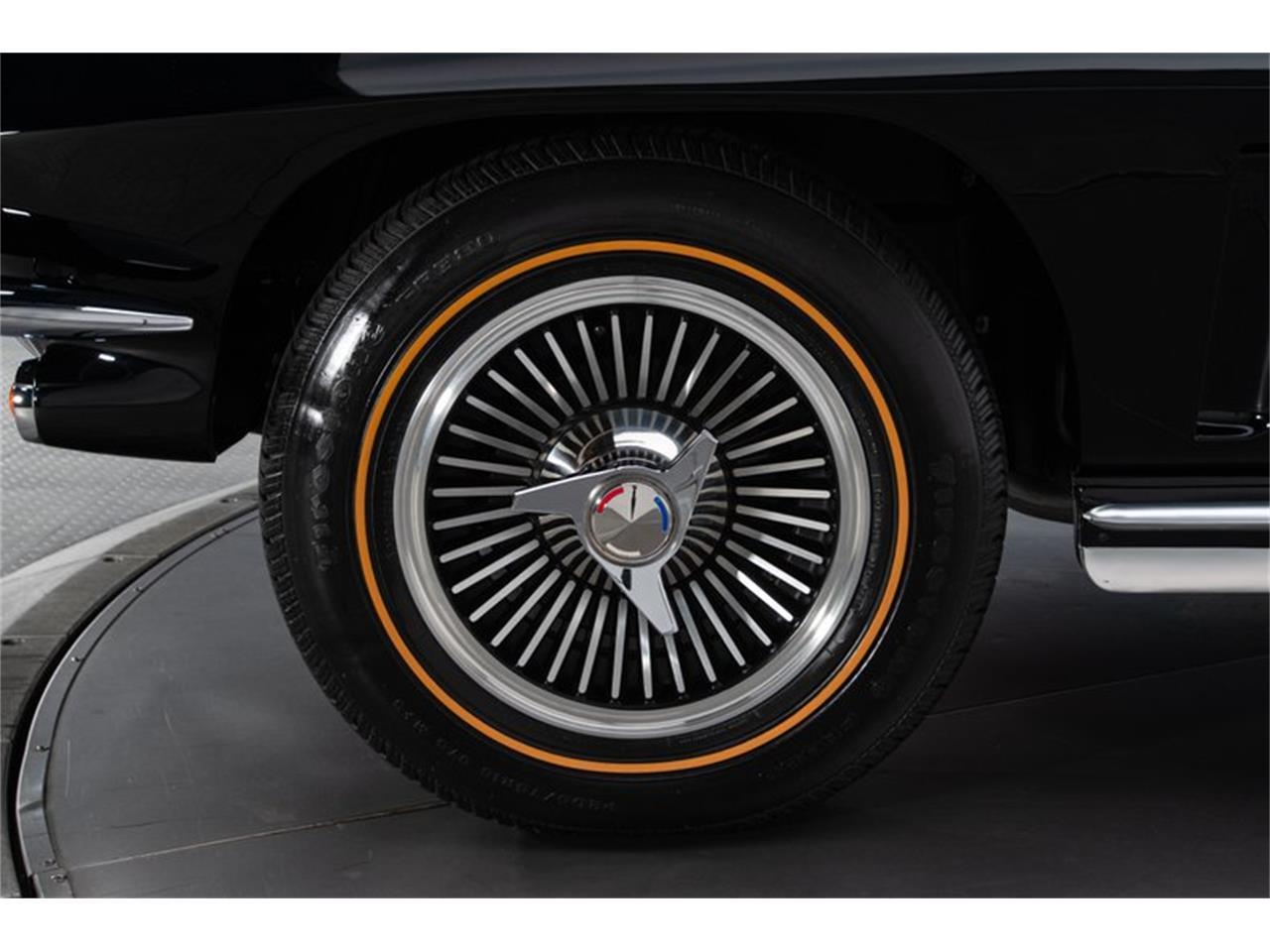 Large Picture of '65 Corvette - QAXB