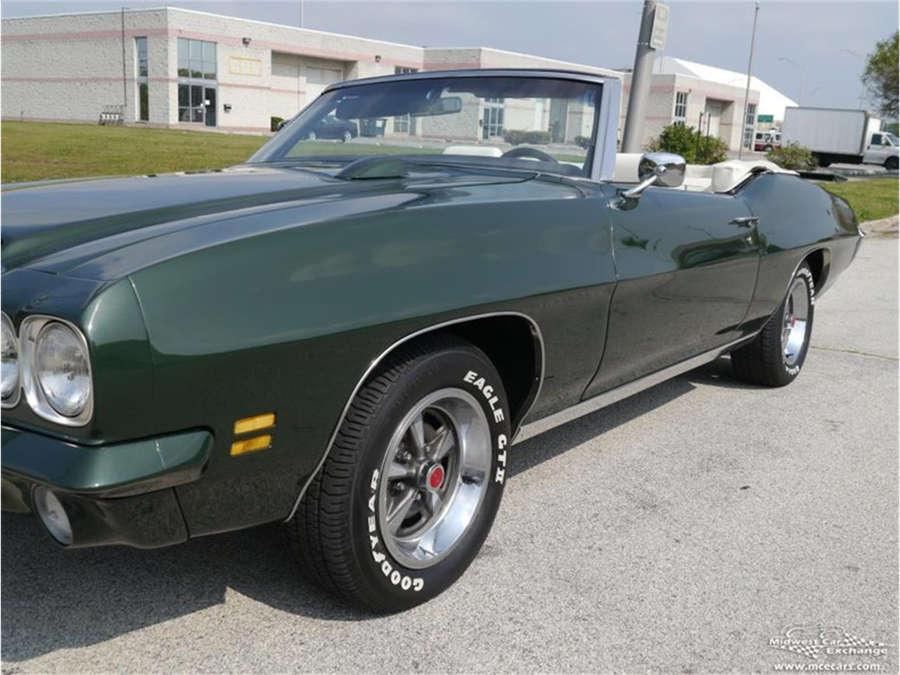 Large Picture of '71 GTO Offered by Midwest Car Exchange - QAXE