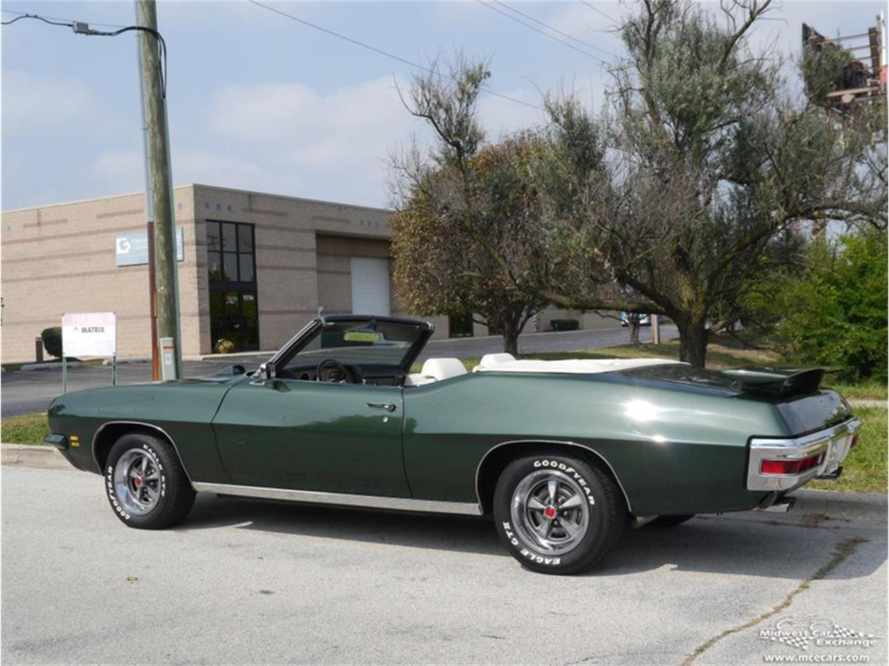 Large Picture of 1971 GTO Offered by Midwest Car Exchange - QAXE