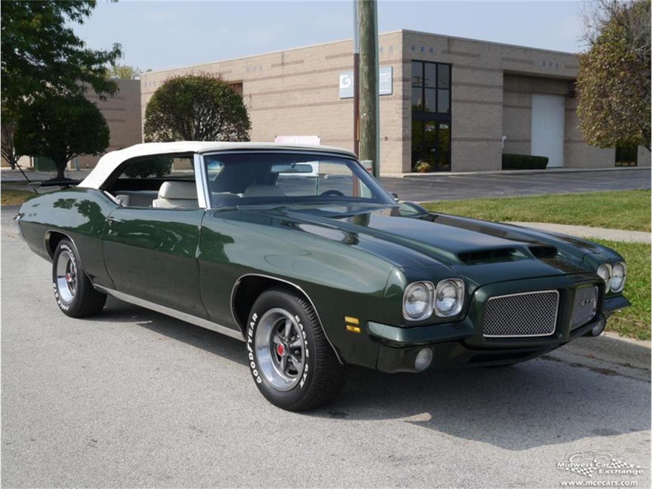 Large Picture of Classic 1971 GTO Offered by Midwest Car Exchange - QAXE
