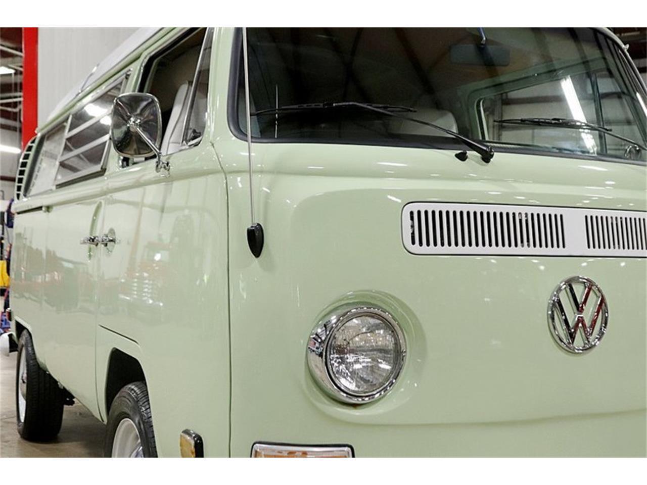 Large Picture of Classic '69 Volkswagen Westfalia Camper located in Michigan - Q5WZ