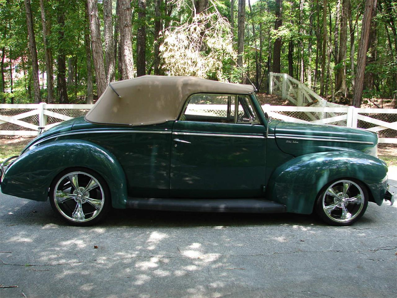 Large Picture of Classic '40 Deluxe Offered by Vicari Auction - QB19
