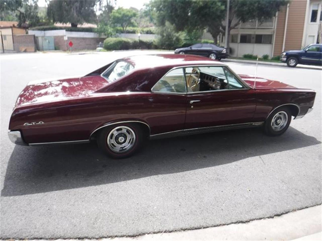 Large Picture of '67 GTO - QB1F
