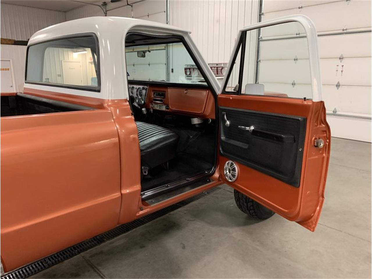 Large Picture of Classic 1972 Chevrolet K-10 located in Michigan Offered by 4-Wheel Classics - QB26