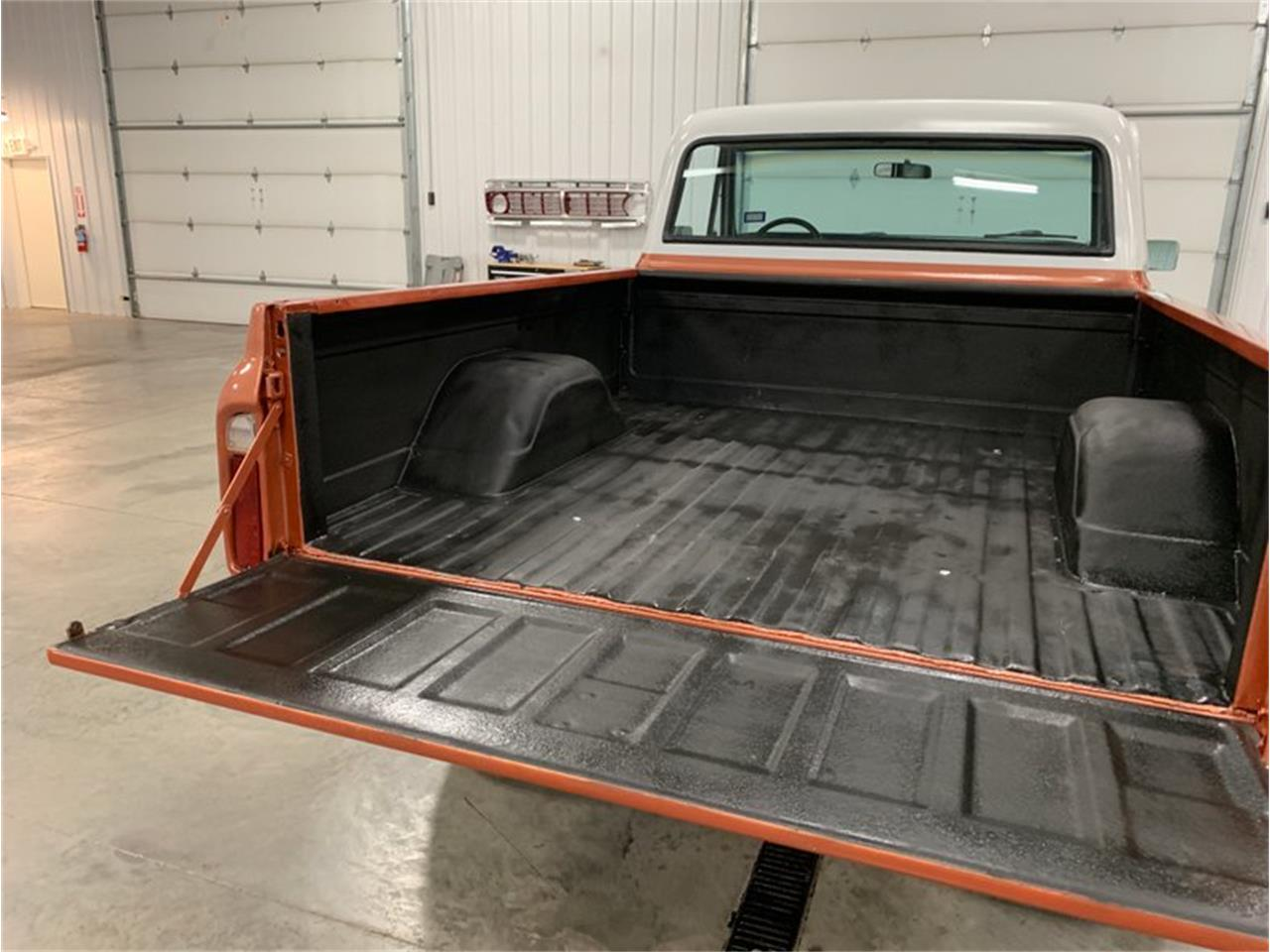 Large Picture of '72 Chevrolet K-10 located in Holland  Michigan - $18,900.00 Offered by 4-Wheel Classics - QB26