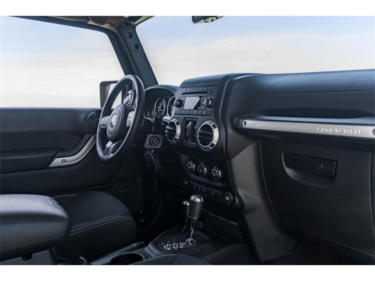 Large Picture of '16 Wrangler - $37,980.00 Offered by Fortunauto 13 LLC - QB2E