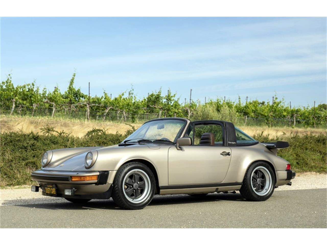 Large Picture of '82 Porsche 911 Offered by Dusty Cars, LLC - QB2H