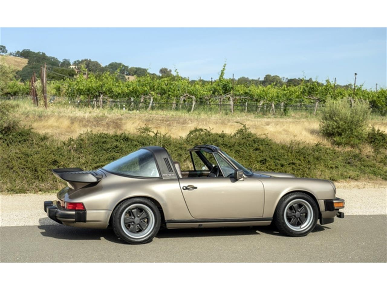 Large Picture of '82 Porsche 911 - QB2H