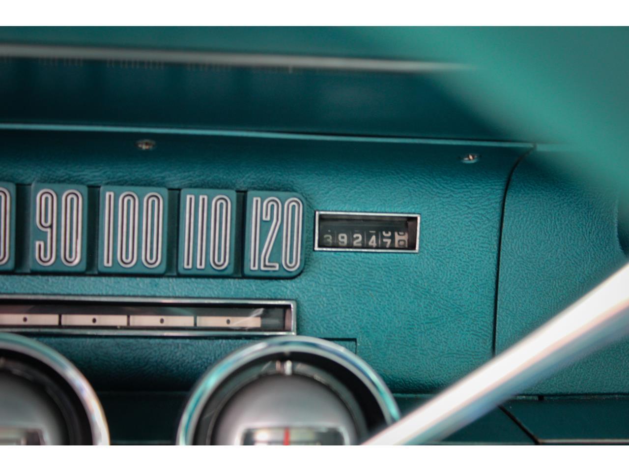 Large Picture of '66 Thunderbird - QB2I