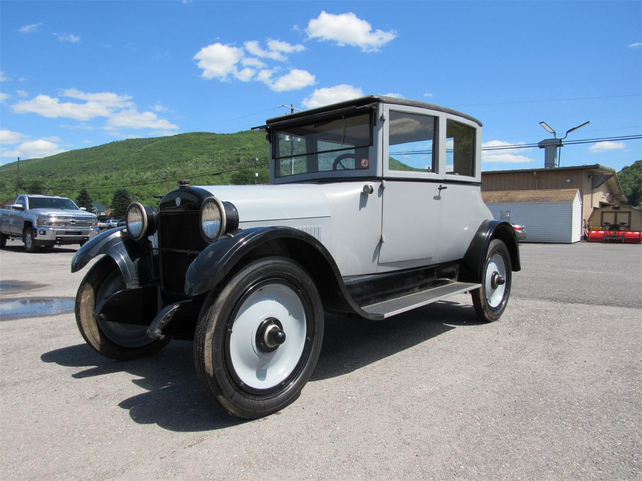 Large Picture of Classic '23 REO Speedwagon located in Pennsylvania Auction Vehicle Offered by Central Pennsylvania Auto Auction - QB3B