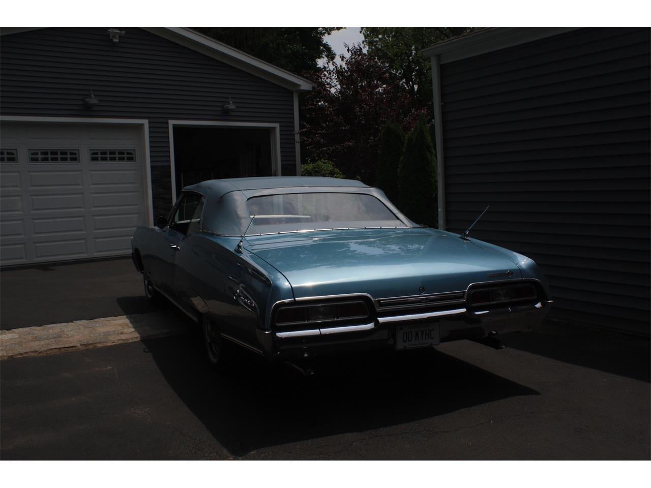 Large Picture of Classic '67 Impala SS Offered by a Private Seller - QB4Y