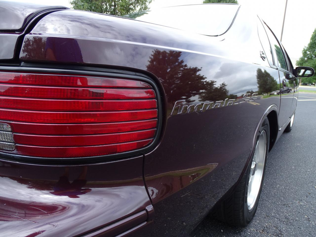 Large Picture of '96 Chevrolet Impala located in Illinois Offered by Gateway Classic Cars - St. Louis - QB5K