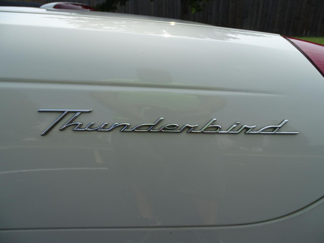 Large Picture of 2003 Thunderbird located in O'Fallon Illinois - QB5Q