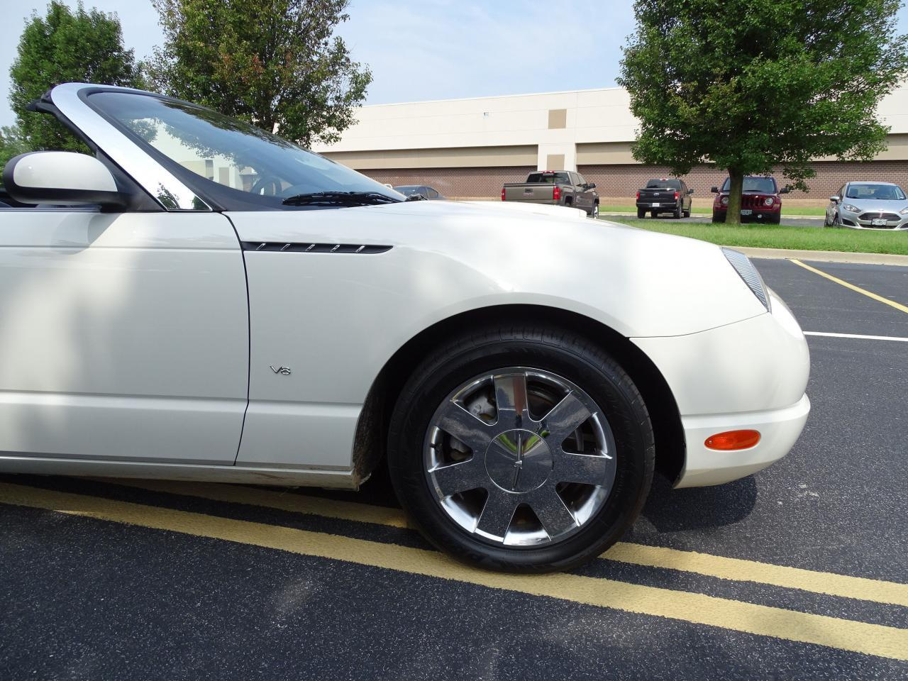 Large Picture of 2003 Thunderbird located in Illinois - $13,500.00 Offered by Gateway Classic Cars - St. Louis - QB5Q