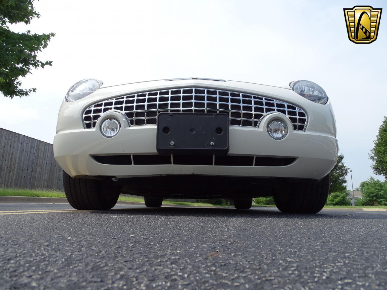 Large Picture of '03 Thunderbird located in Illinois - $13,500.00 Offered by Gateway Classic Cars - St. Louis - QB5Q